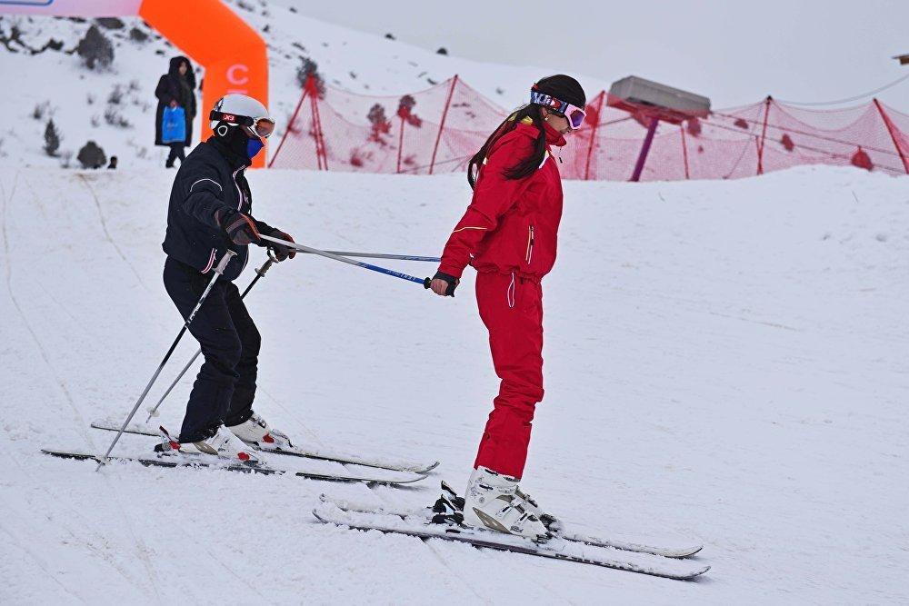 Не хуже, чем в Альпах: единственный в Таджикистане горнолыжный курорт открыл сезон