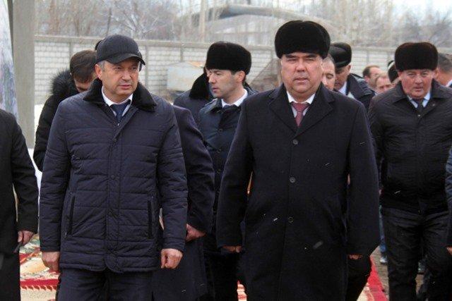 Премьер-министр посетил стройплощадку новой школы